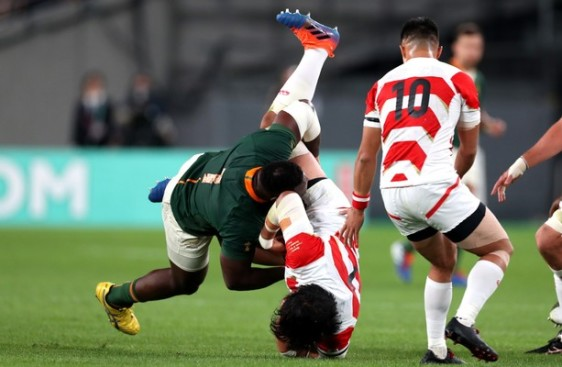 Tendai Mtawarira tackle South Africa vs Japan Rugby World Cup 2019 Springboks
