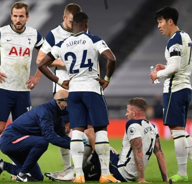 Toby Alderweireld picked up a groin injury against Man City