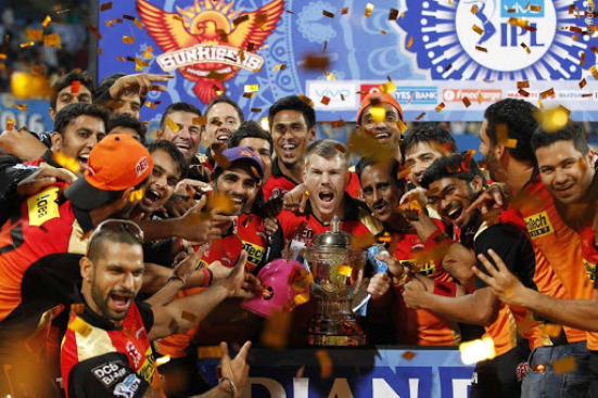Sunrisers Hyderabad lifting the IPL trophy in 2016