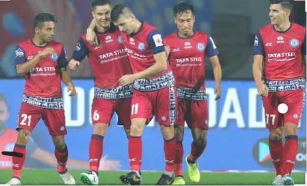 Jamshedpur FC players celebrating after scoring
