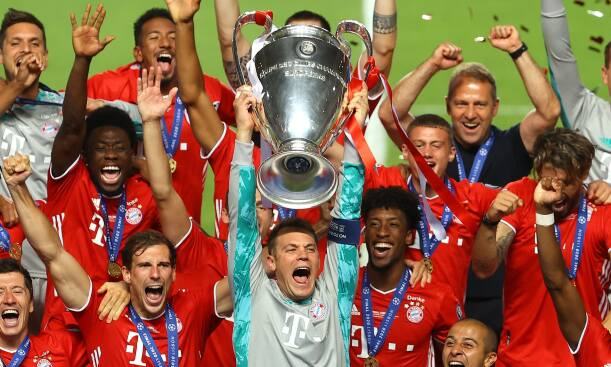 Bayern lifting the 2020 UCL Trophy