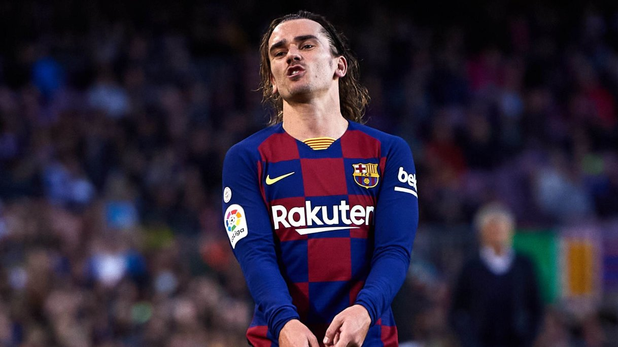 Barcelona ready to sell all but three players