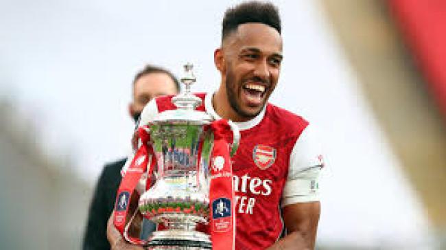 Pierre-Emerick Aubameyang: Arsenal striker set to sign new deal   Football  News   Sky Sports